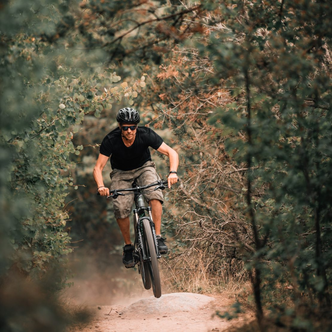 adventure-bike-cyclist-1625984