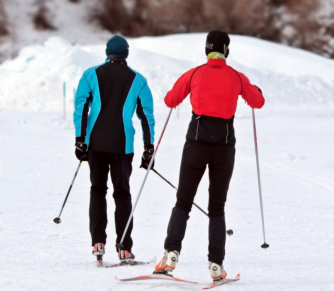 cross-country-skiing-3020751_1920